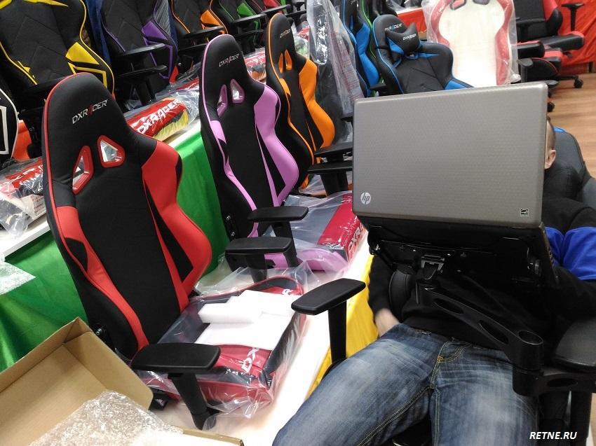 тестирование кресла на выставки