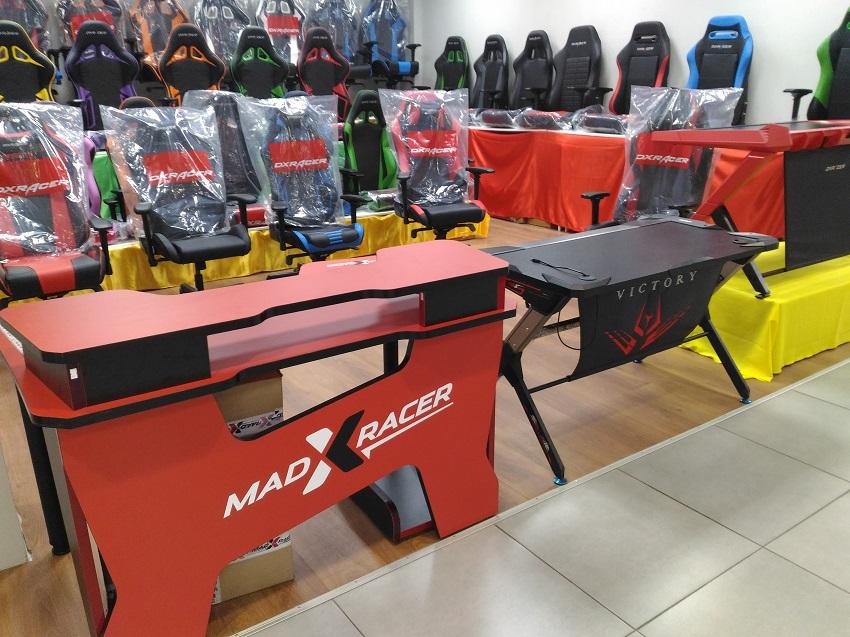 стол игровой madxracer